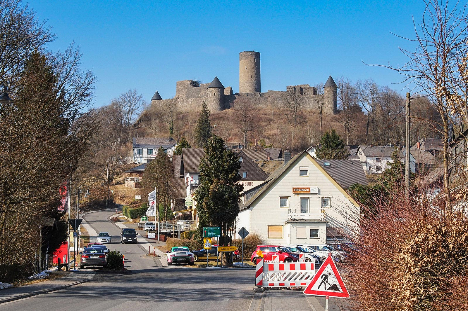 Clear skies over Nürburg.