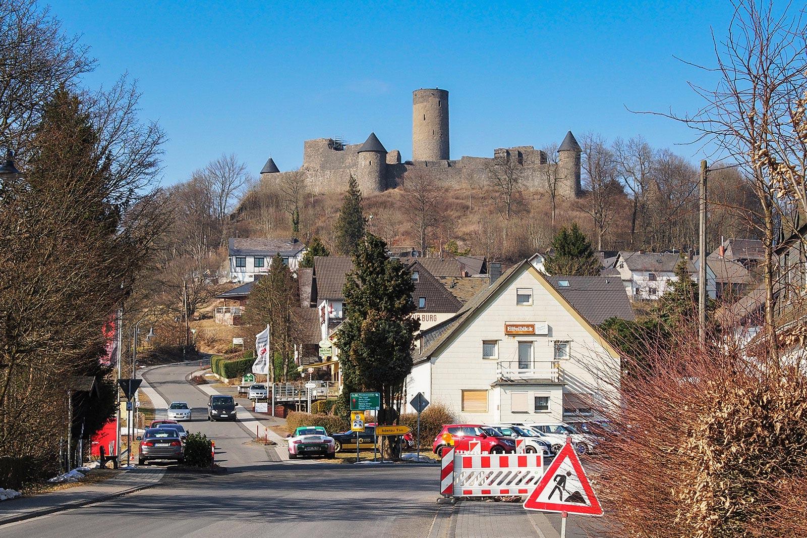 Clear skies over Nürburg.